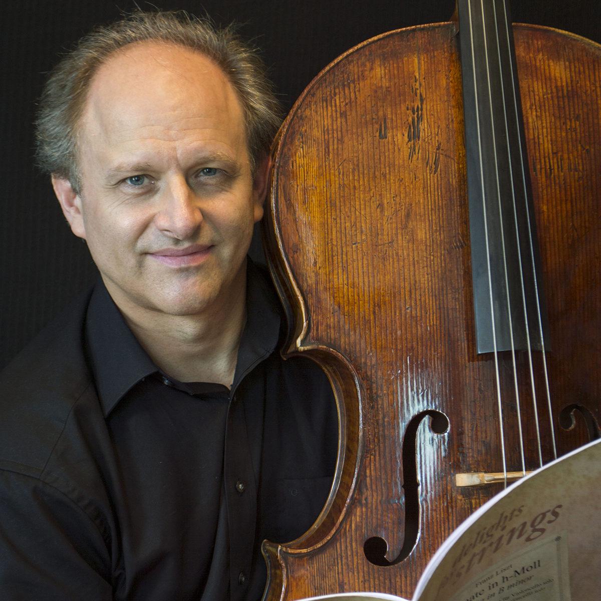 red_Johann Sebastian Paetsch with cello 2E